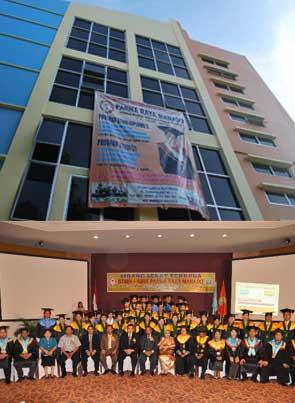 Galleri 8 kampus Universitas-Parna-Raya