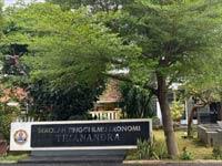 Galleri 9 kampus STIE-Trianandra-Pemuda